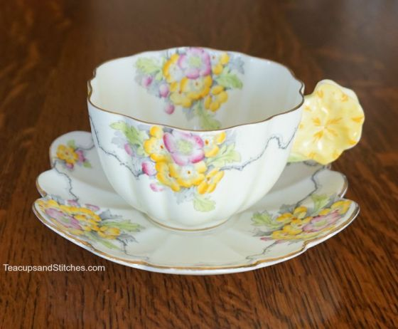 Paragon Yellow Cup Flower Handle